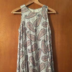 Sleeveless Pleated Paisley Dress